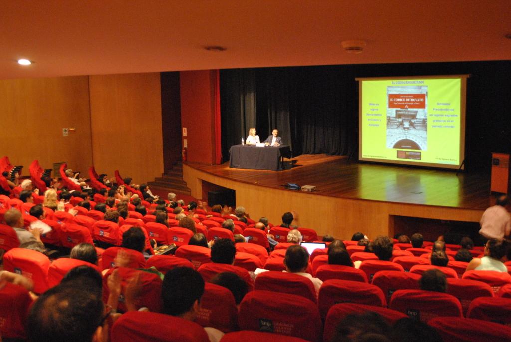 3 Conferenza alla Biblioteca Nacional del Perù