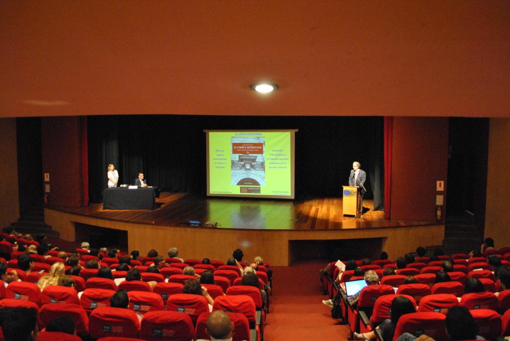 2 Conferenza alla Biblioteca Nacional del Perù